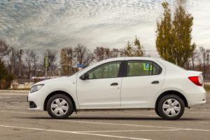 автомобиль в Симферополе напрокат - фотографии салона и снаружи авто